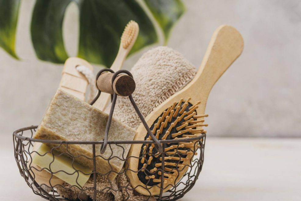 front-view-natural-hair-brush-accessories-min